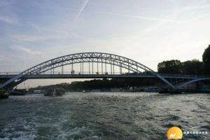 塞納河遊船